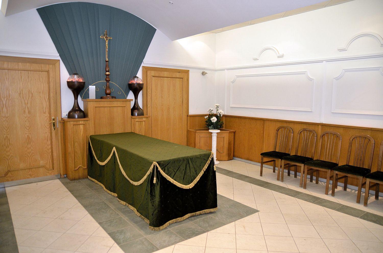 Gyászolói férőhelyek száma: 92 | Ülőhelyek száma: 32