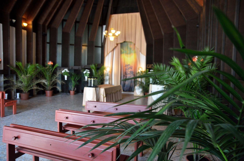 Gyászolói férőhelyek száma: 60 | Ülőhelyek száma: 27